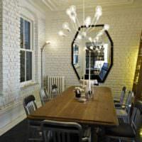 Кирпичные стены в обеденной зоне кухни