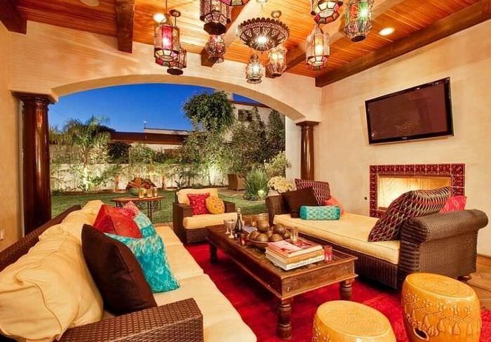 Освещение гостиной в марокканском стиле
