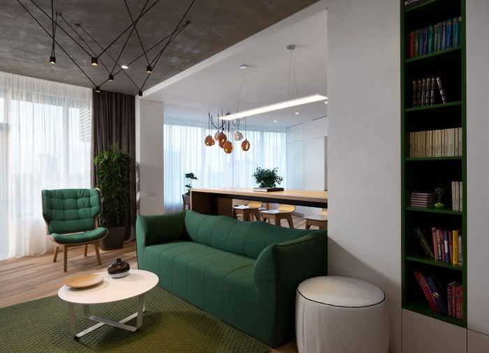Искусственное освещение в гостиной городской квартиры в стиле минимализма
