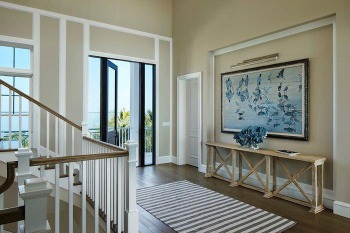 Дизайн прихожей частного дома в морской тематике