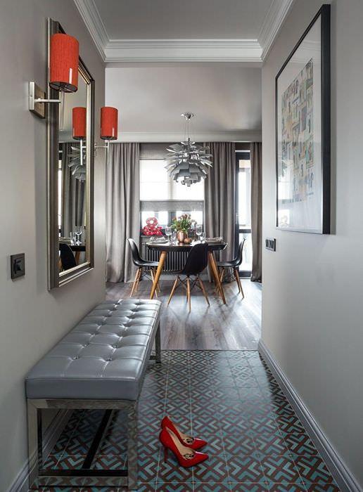 Дизайн небольшого коридора в городской квартире