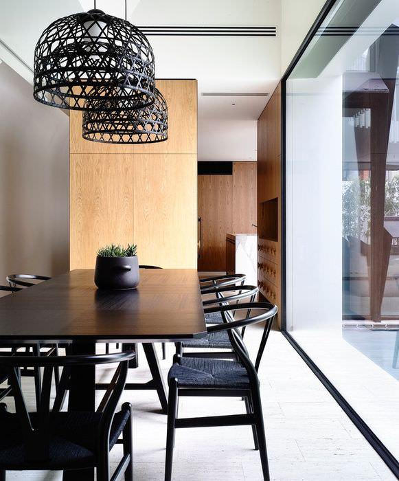 Плетенные абажуры светильников на кухне в стиле контемпорари