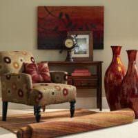 Глиняные вазы в дизайне гостиной