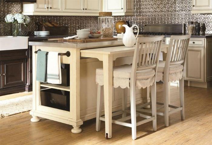 Кухонный модуль с выдвижной солешницей