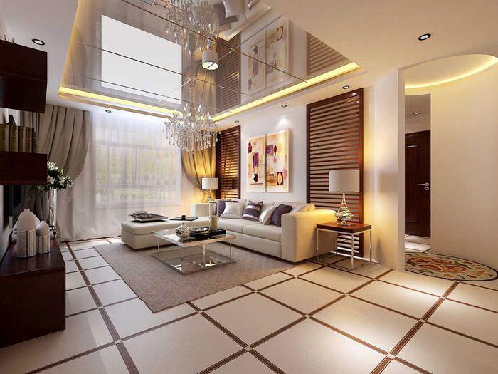 Зеркальный потолок с подсветкой в гостиной