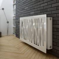 Пластиковый экран на радиаторе отопления