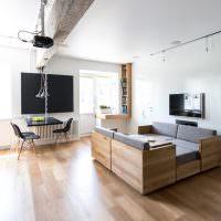 Комбинированная мебель в городской квартире