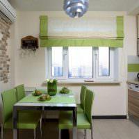 Зеленая обеденная зона в небольшой кухне