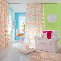 Дизайн комнаты с легкими занавесками