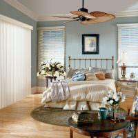 Жалюзи на окнах спальни в стиле прованс