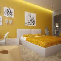 Черно-белые картины на стене современной спальни