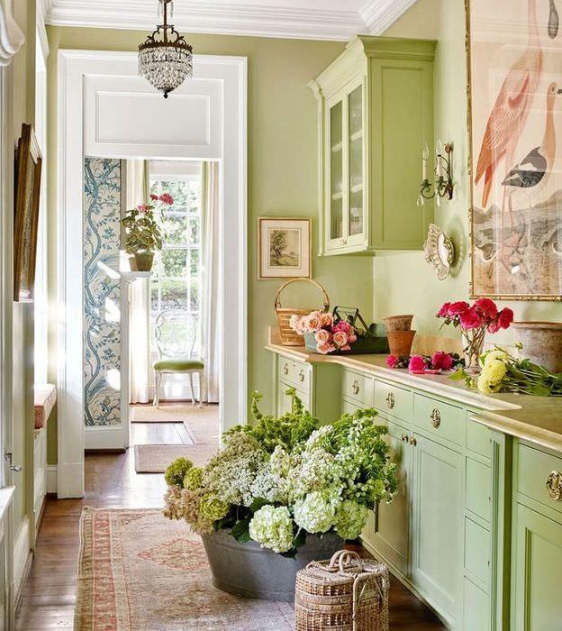 Оливковый цвет в интерьере современной кухни