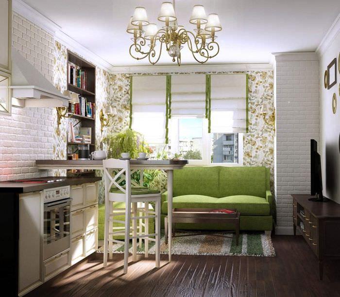 Стеклянная люстра на кухне с зеленым диваном