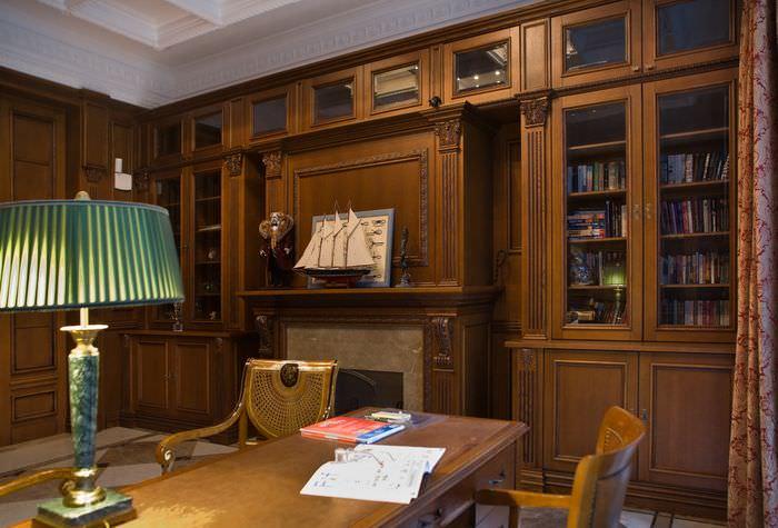 Книжные шкафы из натурального дерева