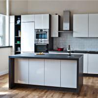 Стиральная машина в кухонном гарнитуре