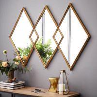 Декорирование стены с помощью зеркала