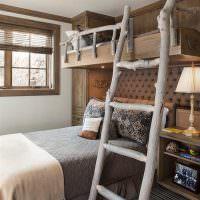 Лесенка из дерева на второй ярус детской кровати