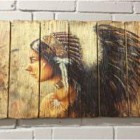 Деревянное панно с изображением индейца