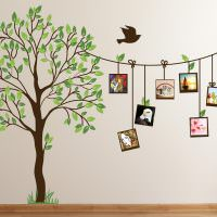 Стена в детской комнате с нарисованным деревом