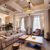 Поворотные софиты на деревянных балках потолка