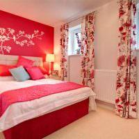 Красный цвет в оформлении спальни