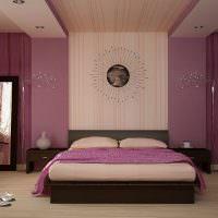 Коричневая кровать в женской спальне