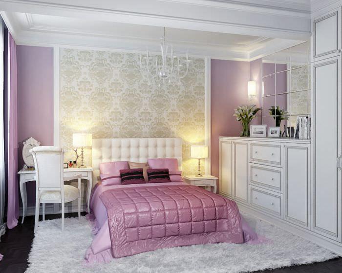 Оформление стены над изголовьем кровати виниловыми обоями