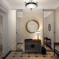 Обилие зеркал в прихожей частного дома