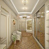 Длинный коридор в стиле классики