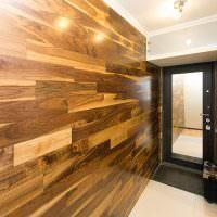 Отделка стен коридора ламинированными панелями