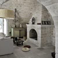 Декоративный камень в интерьере частного дома