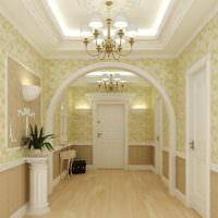 Освещение просторного холла частного дома