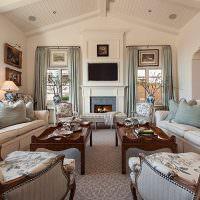 Зона отдыха с удобными диванами