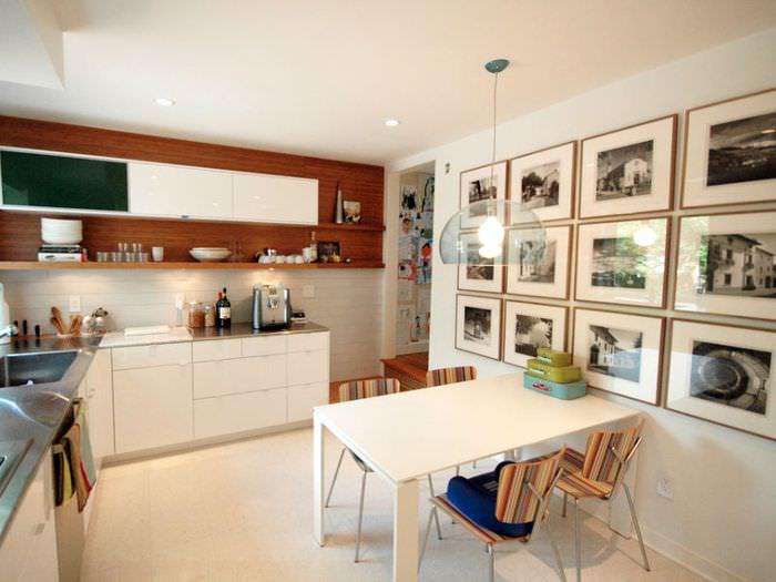 Оформление фотографиями стены на кухне