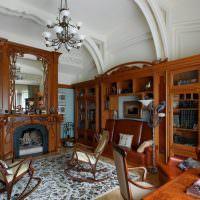 Деревянная мебель в классической гостиной