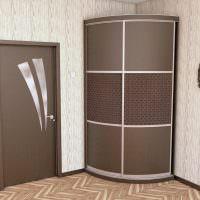 Дизайн прихожей с радиусным шкафом