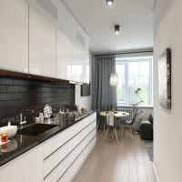 Черный фартук в линейной кухне