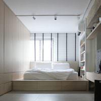 Софиты на потолке спального помещения