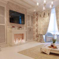 Декоративный камин с горящими свечами