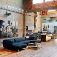 Интерьер первого этажа дома в индустриальном стиле