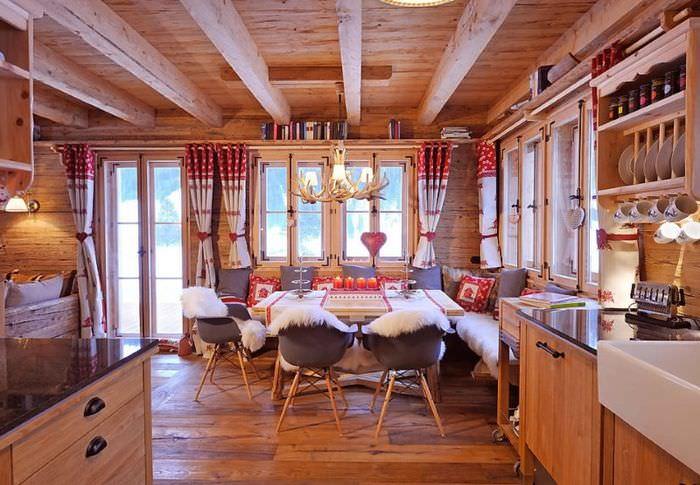 Кухня-столовая в стиле альпийского шале