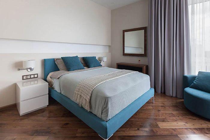 Ламинированный пол в спальне в панельном доме