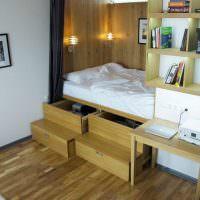 Кровать с выдвижными ящиками из ламинированной ДСП