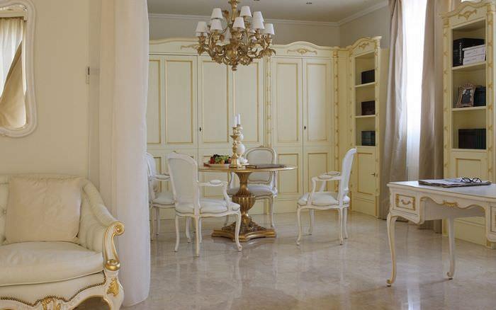 Шкафы в спальне-гостиной классического стиля
