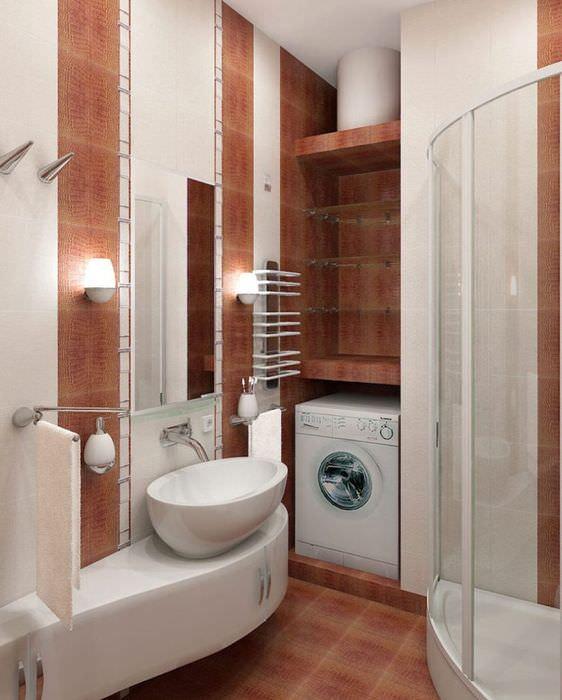 Накладная раковина из фарфора в маленькой ванной комнате