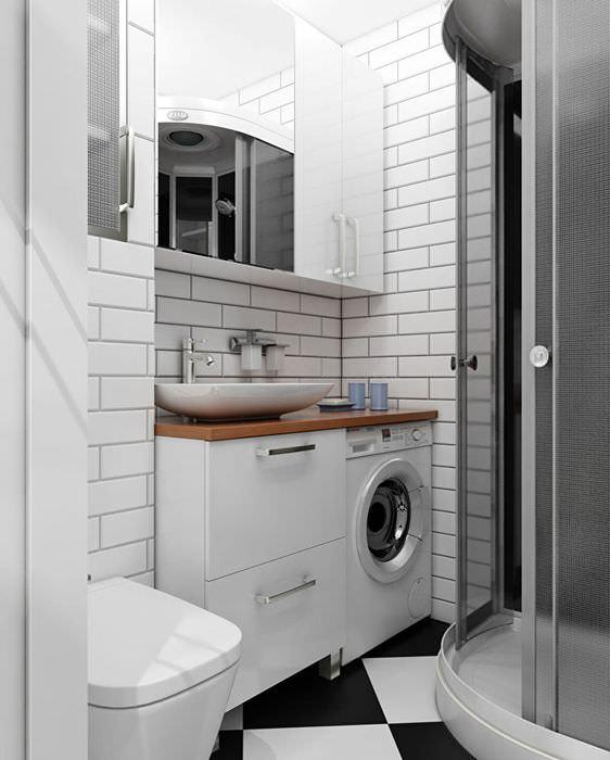 Подвесной шкаф с зеркалом в компактной ванной комнате