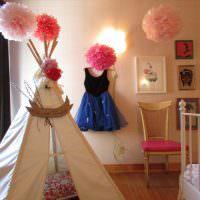 Украшение бумажными шарами детской комнаты