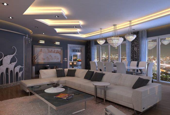 Потолок гостиной с встроенной подсветкой