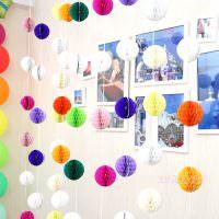 Самодельная гирлянда из бумажных шариков