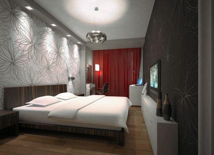 Уютная спальня в трехкомнатной квартире